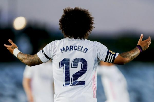 """Real Madrid decided to sign Marcelo from Fluminense in 2007, after which Marcelo was given the opportunity to start the field continuously until last season that was not given much chances until. There were rumors of moving the team immediately, but Marcelo opted to stay at Real Madrid and most recently Real Madrid appointed Carlo Ancelotti as the new manager. of Zinedine Zidane, who failed to lead Real Madrid to any trophies last season Giving Marcelo the opportunity to return to the field as a starter again in the 2021/22 season, and most recently received the captain's armband after Real Madrid parted ways with Sergio Ramos. Marcelo was delighted to receive such an important position by Brazilian left-back """"To be wearing the captain's armband at Real Madrid is a great honor for me and a huge responsibility to be the captain of the best club in the world,"""" he said. """"To be honest, I am very fortunate to have such an important opportunity and as a Real Madrid player you must always have a thirst and be ready to improve even though I have been here for a long time. I have never run out and now I am ready for the new season that is about to begin."""" Marcelo has made 528 appearances for Real Madrid and has won five La Liga titles. eras and 4 UEFA Champions League titles"""